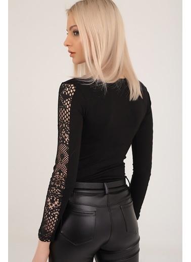 Emjey Kolları Dantel Şeritli Bluz Siyah